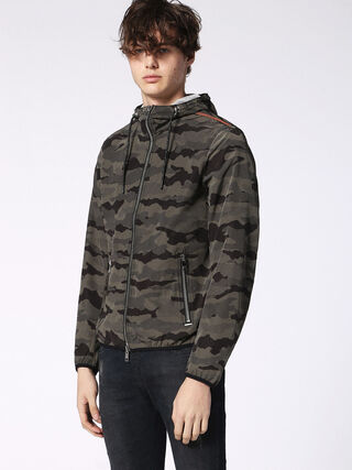 J-MEL, Camouflagegrün