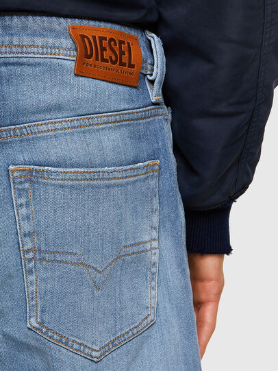 Diesel - Larkee 009NF, Hellblau - Jeans - Image 4
