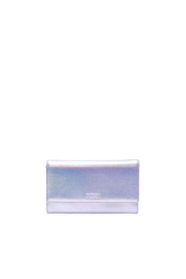 Portemonnaie mit mehreren Tragemöglichkeiten aus schimmerndem Leder