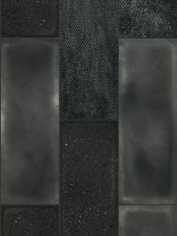 https://de.diesel.com/dw/image/v2/BBLG_PRD/on/demandware.static/-/Sites-diesel-master-catalog/default/dw27d4c621/images/large/IRISCAMRBLA_01_O.jpg?sw=622&sh=829