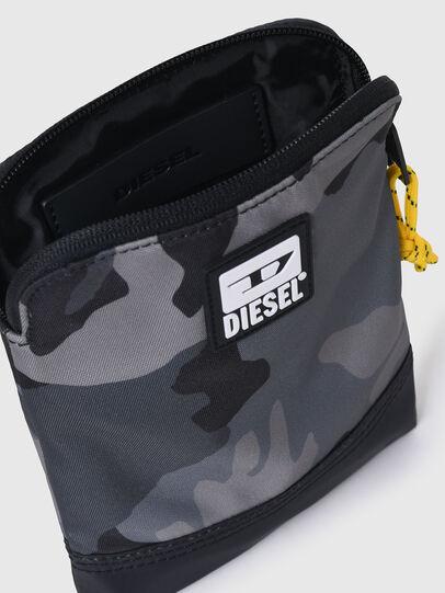 Diesel - VYGA, Grau/Schwarz - Schultertaschen - Image 4