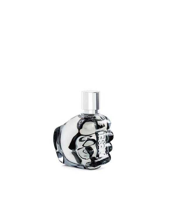 https://de.diesel.com/dw/image/v2/BBLG_PRD/on/demandware.static/-/Sites-diesel-master-catalog/default/dw2e2f7f23/images/large/PL0123_00PRO_01_O.jpg?sw=594&sh=678