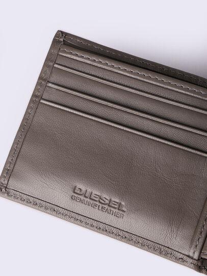 Diesel - HIRESH XS, Dunkles Ecru - Kleine Portemonnaies - Image 4