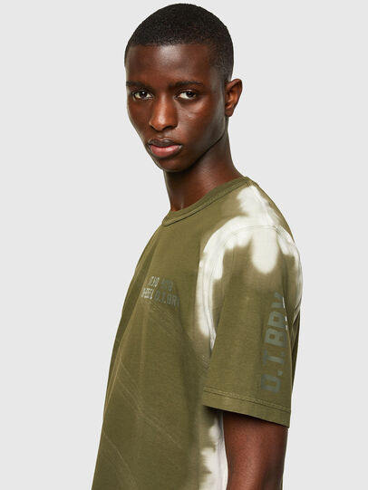 Diesel - T-JUBIND-SLITS-A3, Armeegrün - T-Shirts - Image 3