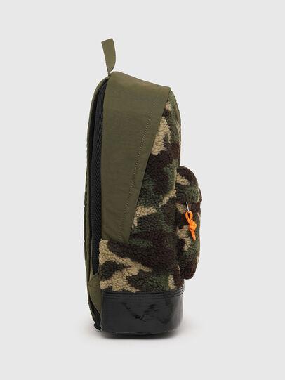 Diesel - MARMUT, Camouflagegrün - Rucksäcke - Image 3