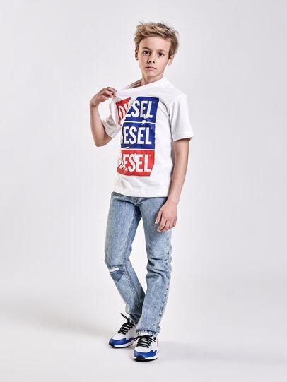 Diesel - TJUSTZC OVER,  - T-Shirts und Tops - Image 4