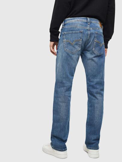 Diesel - Larkee CN035, Mittelblau - Jeans - Image 2