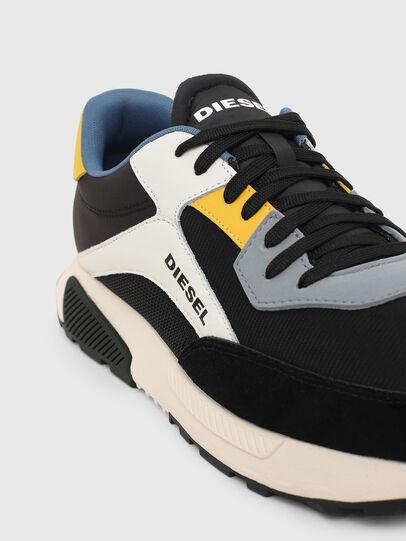 Diesel - S-TYCHE LOW CUT, Schwarz/Weiss - Sneakers - Image 4
