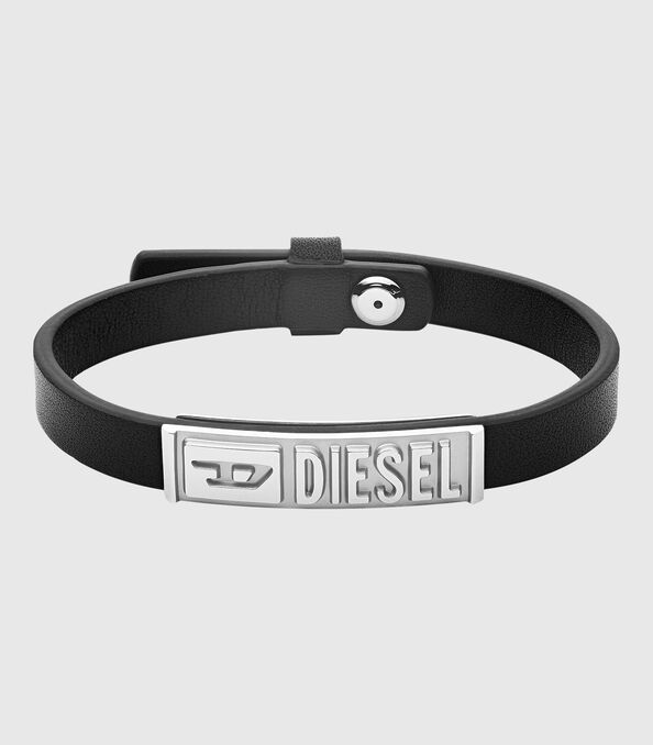 https://de.diesel.com/dw/image/v2/BBLG_PRD/on/demandware.static/-/Sites-diesel-master-catalog/default/dw895c5118/images/large/DX1226_00DJW_01_O.jpg?sw=594&sh=678