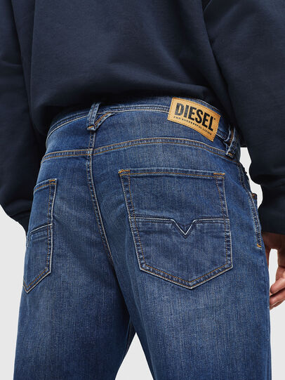 Diesel - Larkee-Beex 082AZ, Dunkelblau - Jeans - Image 4