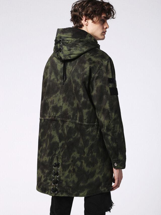 J-CRAZY-T, Camouflagegrün