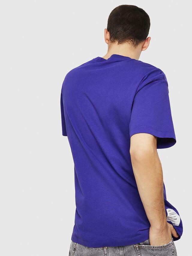 Diesel - T-WALLACE-Y5, Dunkelviolett - T-Shirts - Image 4