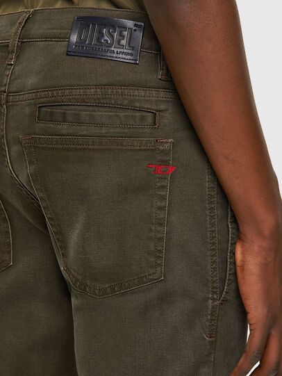 Diesel - D-Fining-Chino 0699P, Armeegrün - Jeans - Image 5