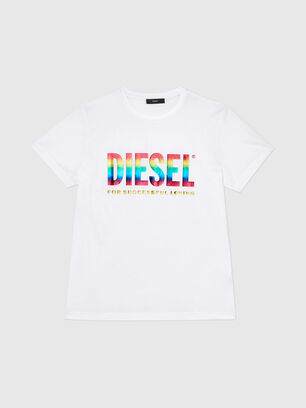https://de.diesel.com/dw/image/v2/BBLG_PRD/on/demandware.static/-/Sites-diesel-master-catalog/default/dwa06fcb1b/images/large/00SLT1_0GAYL_100_O.jpg?sw=306&sh=408