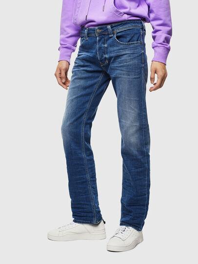 Diesel - Larkee 0097X, Mittelblau - Jeans - Image 1