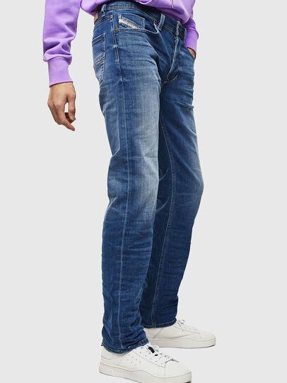 Diesel - Larkee 0097X, Mittelblau - Jeans - Image 4