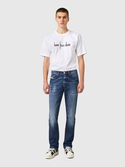 Diesel - D-Vocs 09A92, Mittelblau - Jeans - Image 5