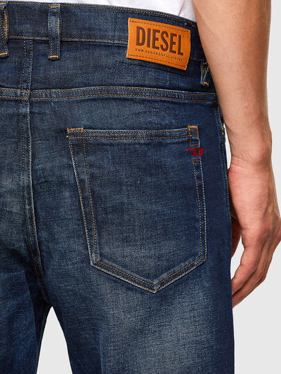 Diesel - D-Vider 009GQ, Dunkelblau - Jeans - Image 4