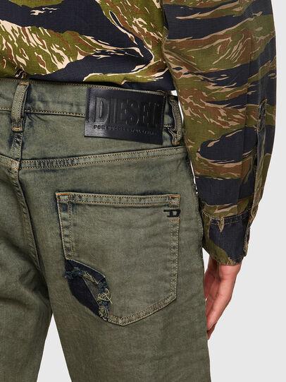 Diesel - D-Strukt 09A50, Armeegrün - Jeans - Image 3