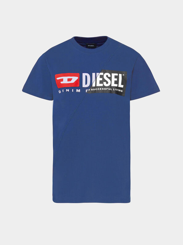 https://de.diesel.com/dw/image/v2/BBLG_PRD/on/demandware.static/-/Sites-diesel-master-catalog/default/dwdc4f16f8/images/large/00SDP1_0091A_8MG_O.jpg?sw=594&sh=792