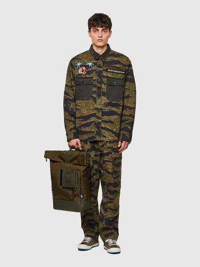 Diesel - SHINOBI, Camouflagegrün - Rucksäcke - Image 6