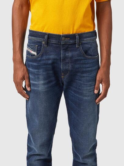 Diesel - D-Strukt JoggJeans® 069XG, Dunkelblau - Jeans - Image 3