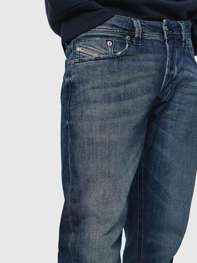 Diesel - Larkee CN025, Mittelblau - Jeans - Image 3