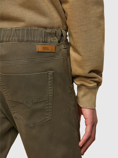 Diesel - Krooley JoggJeans® 0670M, Dunkelgrün - Jeans - Image 3