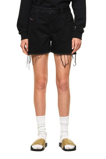 Abgeschnitten Shorts aus vorgewaschenem Denim