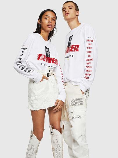 Diesel - LCP-T-JUST-LS-DENVER, Weiß - T-Shirts - Image 6