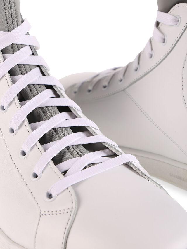 S181-0, Weiß