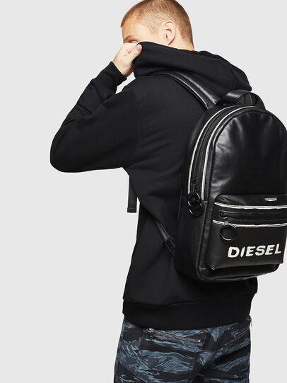 Diesel - ESTE, Schwarz/Weiß - Rucksäcke - Image 6